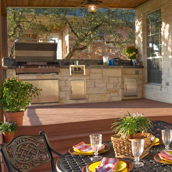 Whether you're a master chef or cooking novice, just tell us your outdoor cooking needs and Archadeck will create a custom outdoor kitchen design for you. Call Archadeck today at 888.687.3325 for outdoor kitchen design ideas.